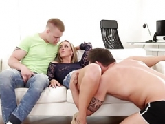 Bisex hunk plows male tush in trio with chick