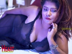 Very Hot Indian Saree Model Nightingale