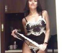 Killer body striptease