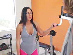 Gianna Nicole is having sex in the gym here