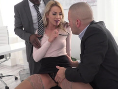 Woman boss is a great luck for subordinates who fuck her