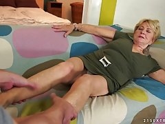 Granny's hair vag covered with cum