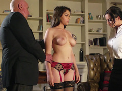 Italian brunette whore with a killer body needs a hard meat pole