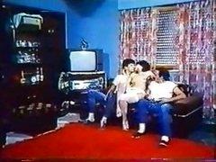 Greek porn'70-'80 (to mikrofwno tis alikhs-katerina spathi) 2-gr2