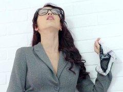 Brunett, Kläder av, Glasögon, Underkläder