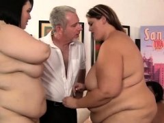 4 horny Big beautiful women fucking a lucky fella