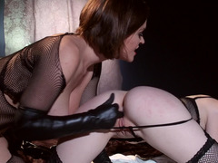 Leather gloves beauty fingers and licks a lesbian pussy from behind