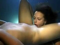Lesbians eating fuck hole underwater