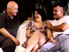 Double penetration threesome For Screaming Brunette Swinger Soccer mom Wife