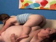 Plump lesbian lick on midget snatch