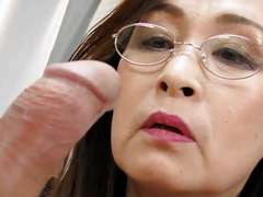 Mature females are looking for younger cocks