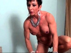 Old muscle female freting flag pole with lust