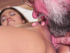 Brunette removes her clothes and then an old man penetrates her cunt