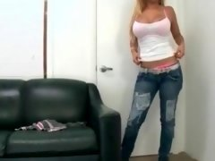 Sexy blonde bitch gets excited jerking
