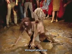 closed catfight in the mud chicks (vintage 1960)