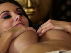 Bigtitted milf titfucked by horny masseur