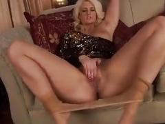 blonde on high heels olivia jayne is masturbating.mp4