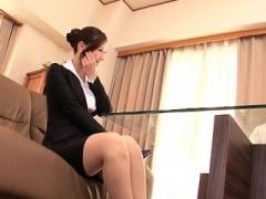 Stylish sweetheart shows sex skills