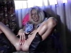 Blonde Samantha Gapes to Orgasm 1:03