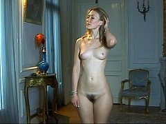 Undressed mom takes part in classical pornographic lessons