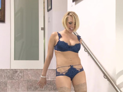 Kagney Linn Karter offers her body to four black guys