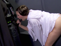 Star wars parody scene has a really happy ending with a hand job
