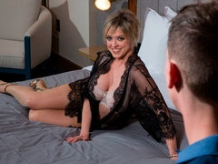 Experienced MILF Dee Williams gets rammed from behind in a hot way