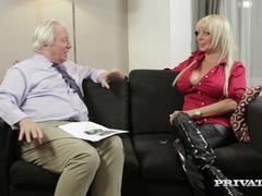 Fetish Queen Monique Covet In a Private Interview
