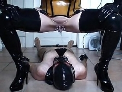 Latex, Milenka, Pissing