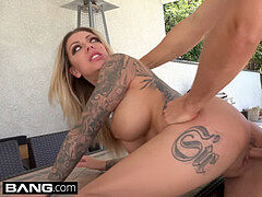 tatted nymphomaniac Karma Rx fucks her neighbors hubby