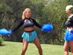 Breasty cheerleader strips for 69 on the couch