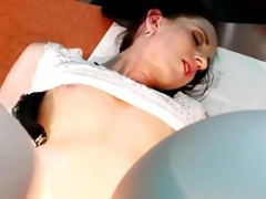 Doctor gets down and dirty patients pussy in waiting room