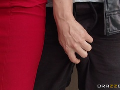 Big Tits at School (Brazzers): Teaching With Her Titties