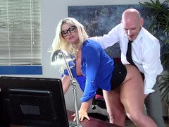 A big ass milf is getting her sexy ass worshiped on the desk