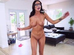 Nerdy brunette likes to suck hard cock