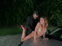 Luxury slut in high-heels gives herself to owner of expensive car