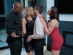 Four-way fucking sessions with horny people