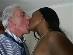 Britannique, Interracial, Fessée