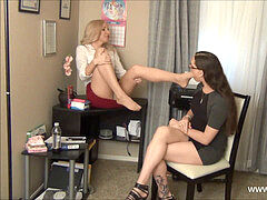 Transexual pantyhose sole supremacy
