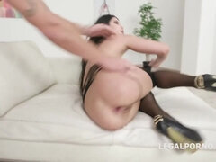 Gorgeous Lady Dee Double Anal Penetration