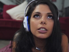 Adria Rae helps her friend Gina Valentina with her gaming addiction