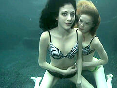 Underwater girly-girl bang-out