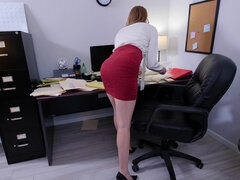 Pretty girl in glasses got fucked in the office