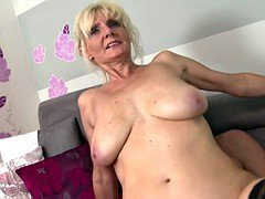 Super mom with sizeable saggy titties takes young purple pole