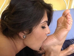 Jasmin Jordan Gives Good Straddle - lesbian sex with fetish foot licking