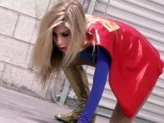 Superheroine Fight