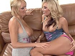 Blonde lesbo finger fucking between busty dames