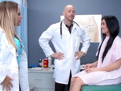 Doctor Alexia Vosse got fingered & fucked by her coworker in front of a patient