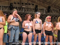 Xxl Hooter Compete At Iowa Biker Rally - uiPorn