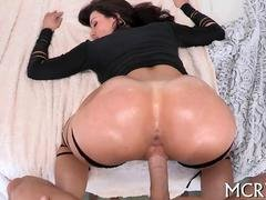 Lusty brunette Mom i`d like to fuck with a tasty booty gets fucked hard